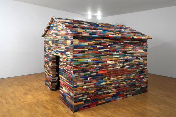 Caseta con libros