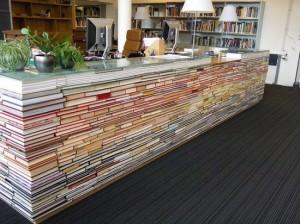 mostrador de la biblioteca de la Facultad de Arquitectura de la Universidad de Delft