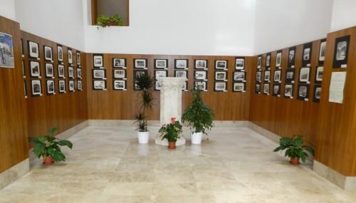 SPAIN IS DIFFERENT Turismo y fotografía en los fondos de la antigua Escuela Superior de Turismo de Huesca. Biblioteca de la Facultad de Empresa y Gestión Pública