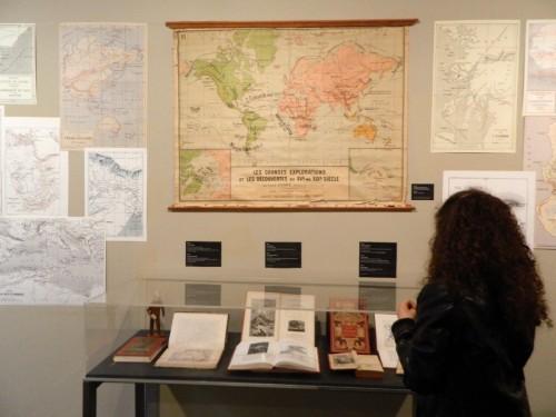 """Exposición """"Julio Verne : el viaje como inspiración. Por tierra, mar y aire y la vuelta al mundo de Nellie Bly"""", en el Centro Cultural Ibercaja Duquesa de Villahermosa"""