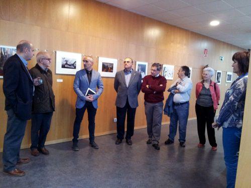 Inauguración de la exposición. Antonio Morón (Vicepresidente de la RSFZ), Julio Sánchez (presidente de la RSFZ), Enrique Cano (Subdirector de Infraestructuras de la EINA), miembro RSFZ, Ignacio García Palacín (miembro RSFZ y profesor de la EINA), otro miembro de la RSFZ, Beatriz Solé (miembro de la RSFZ), Nati Herranz (Directora de la Biblioteca Hypatia)