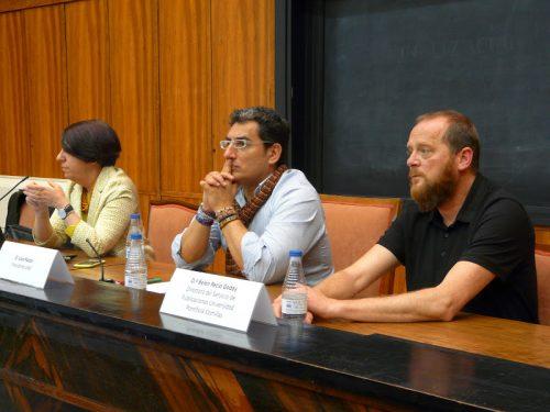 José Antonio Merlo (d), Lluís Pastor (c) y Belén Recio (i) ayer durante la presentación del proyecto.