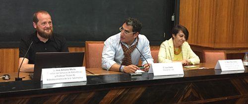 José Antonio Merlo (i), Lluís Pastor (c) y Belén Recio (d) ayer durante la presentación del proyecto.