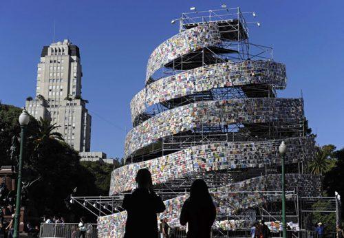 Torre de Babel (Marta Minujín)