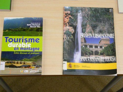 SLOW TOURISM. Exposición bibliográfica en la Biblioteca de la Facultad de Empresa y Gestión Pública