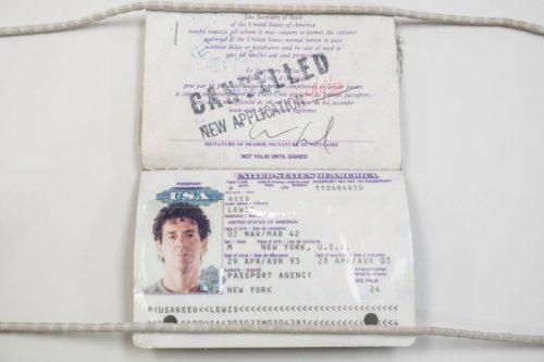 Pasaporte de Lou Reed