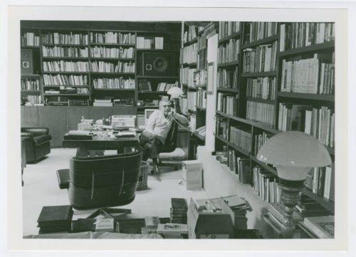 García Márquez en su despacho