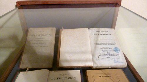 Exposición 175 años Estudios de Magisterio en Huesca, 1842-2017 Participación de la Biblioteca de la Facultad de Ciencias Humanas y de la Educación.