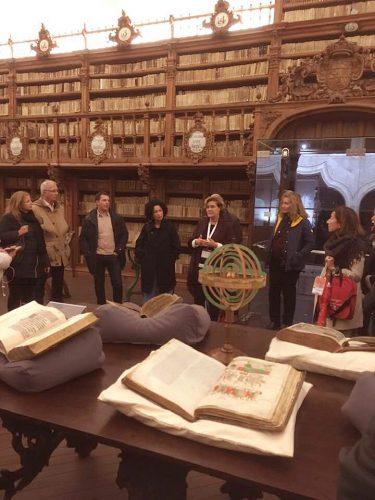 Visita a la Biblioteca histórica de la Universidad de Salamanca