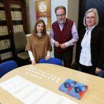 La Biblioteca de la Universidad de Zaragoza hace entrega del premio a los ganadores del sorteo por la participación en la encuesta de satisfacción para los estudiantes