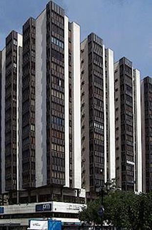 Edificio Salamero (Zaragoza), del arquitecto Lorenzo Monclús Ramírez